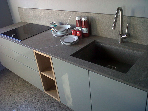 Piano Cucina Su Misura.Top Cucina Reggio Emilia Felina Piano Lavoro Marmo Quarzo